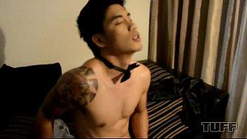 หนังเกย์ดูฟรีผ่านเว็บ VIP XXX หนุ่มเพศที่สามถอกควยให้รับโม้ก ดูดละเย็ดตูดต่อล่อให้น้ำแตก