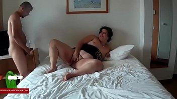 Atando a la gorda bien fuerte para follarla gui00297
