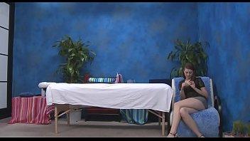 Видео голых девок с огромными сиськами 3gp