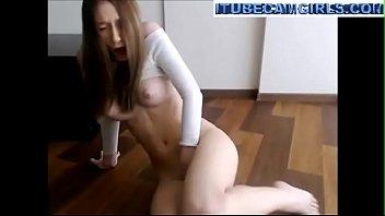 Very fit brunette on webcamshow - itubecamgirls.com