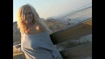 Фото красивых блондинок голых на пляже