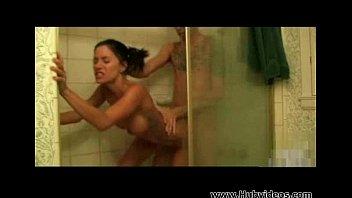 Зашол в душ и трахнул смотреть