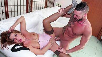 SCAMBISTI MATURI - Mature Italian amateur lady in hardcore porn session