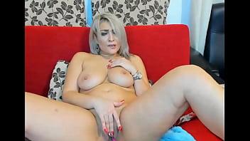 Blonde Big-Tits Amazing Masturbate on Cam