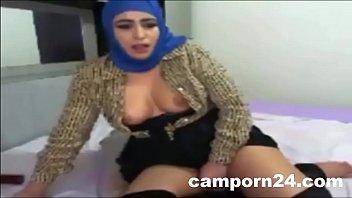 hijab Arab girl webcam fuck porn on camporn24.com