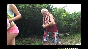 Порно трах дедушка с молодой