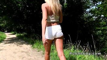 Seksi srbkinja je pofukana v parku