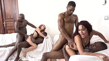 pornxxxx กลุ่มวัยรุ่นไอมืด นิโกร ควยใหญ่ยาวพาสาวมาจัดปาร์ตี้มุสลิม4ต่อ2 เย็ดกันมันส์ครางลั่น