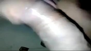 منقبة صاروخ تقطع الكلت وتحشر الزبر ف كسها وتتقطع نياكة thumbnail
