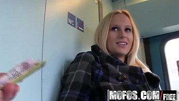 Отсос в поезде
