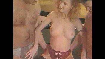 Блондинки секс клубничка