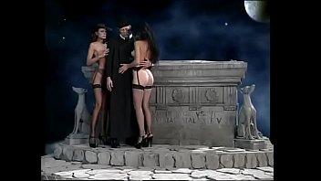 Груповуху смотреть онлайн сейчас порно оргии