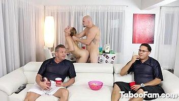 Смотреть порно вечеринки на пруду