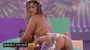 Big Wet Butts - (Karmen Karma, Xander Corvus) - Flower Pounder - Brazzers