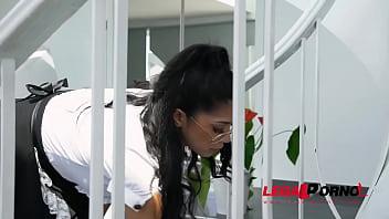 Leggy latina maid Julia De Lucia goes for big veiny cock of her boss GP872