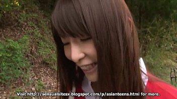 amateur Asian Teen blowjob outdoor public sex