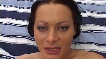 Romanca Ce A Ajuns Superstar Porno La Nivel Inalt