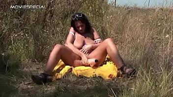 Русская мать со своей подругой трахают сына