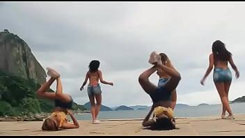 beautiful dancers