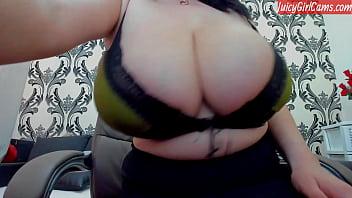 Huge tits milf on www.JuicyGirlCams.com