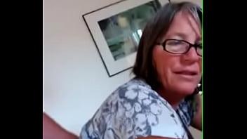 Minha esposa sendo penetrada anal enquanto conversamos LustyGolden  2018 vídeos pornográficos 3gp