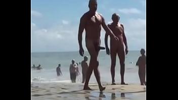 Cule verga en playa nudista