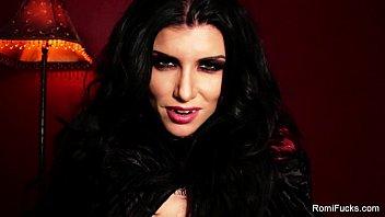 Romi The Sexy Vampire