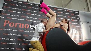 Sexo oral a una chica joven a cargo de los profesores Pamela Sánchez y Jesús Sánchez