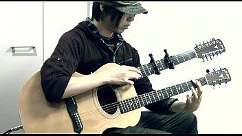 Бомжи играют на гитаре видео