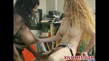 squirting lesbians xxx