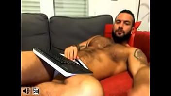 Orlando Toro live on cam