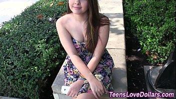 Teen amateur gets creamed
