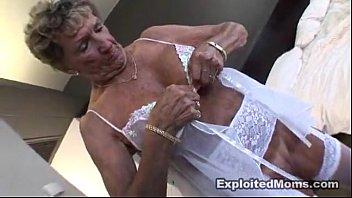 Сексуалная теща соблазнает
