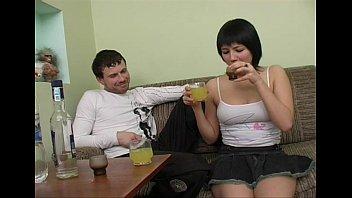 Трахнули пьяных русских девок