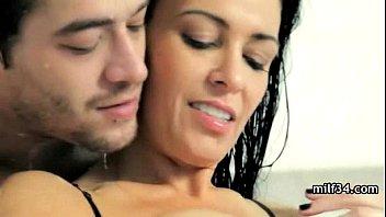 Порно инцест красивая мать и сын часть 1
