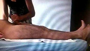 mamandosela en la sesion de masajes