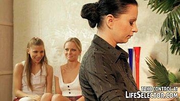 Училки лесбиянки смотреть сейчас