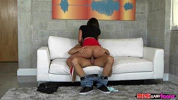 Секс дома на камеру матери и сына