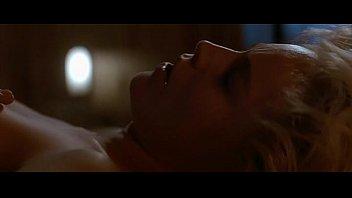 Эротическая сцена из фильма основной инстинкт
