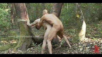 Геи ебутся в лесу
