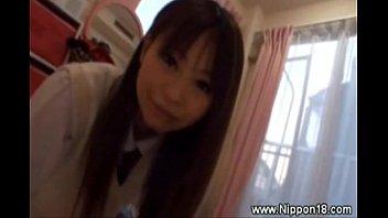 Una curiosa ragazzina asiatica fa seghe - XVIDEOS.COM