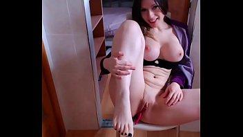 Teen girl show big boobs - Assista outra bela buceta no CAMXXXGIRL.COM