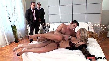 Тройное проникновение порно в хорошем качестве