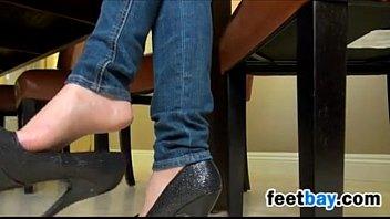 Amateur Dirty Girl Dangles Her Feet