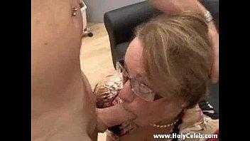 Сын трахнул мать в бане смотреть онлайн