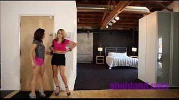 Love Goes 1 Kristina Rose y Amy Brooke TAG lesbiana rubia lamiendo coño sexy masturbación caliente fing