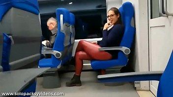 Chupando verga en el autobus (Recomendado) Thumb