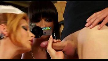 Молодые девушки в трусиках порно фото