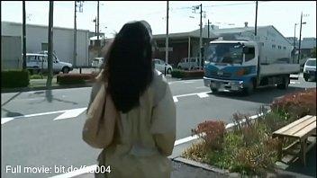 Fahişe otobüste yabancılarla ilgilendi