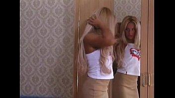Порно видео с загорелой блондинкой